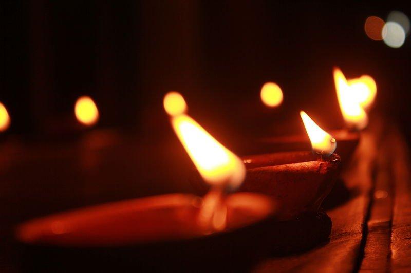 Diwali,_the_lights_of_Festival_in_India.JPG