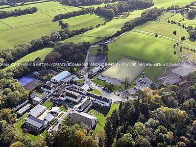 St_Teresas_School_Surrey_England2.jpg